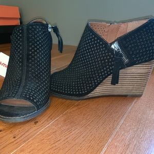 Lucky Brand double zipper wedges